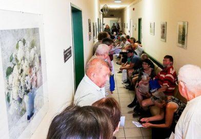 Jobbik: Számolják fel a betegekre méltatlan folyosói tumultust az Onkológiai Intézetben